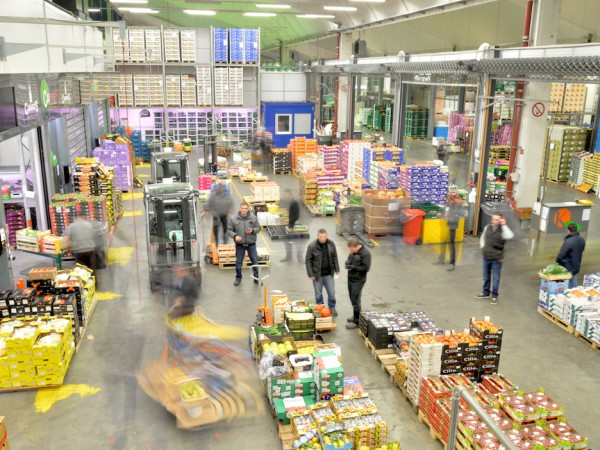 Keuthmann-Marktstand-Grossmarkt-Berlin-600x450